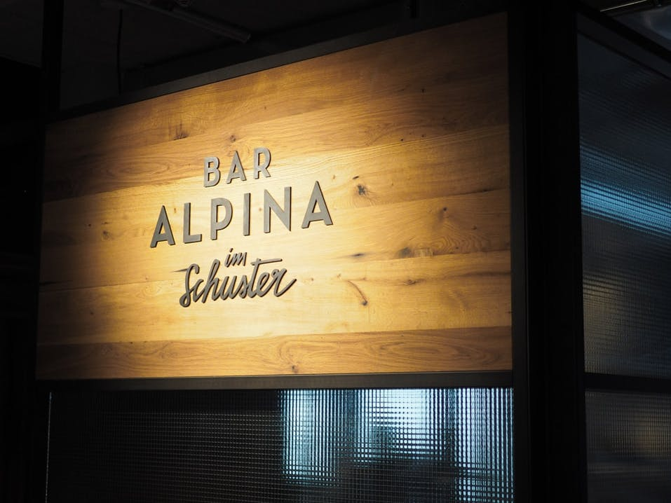 Alpina-Bar-Schuster