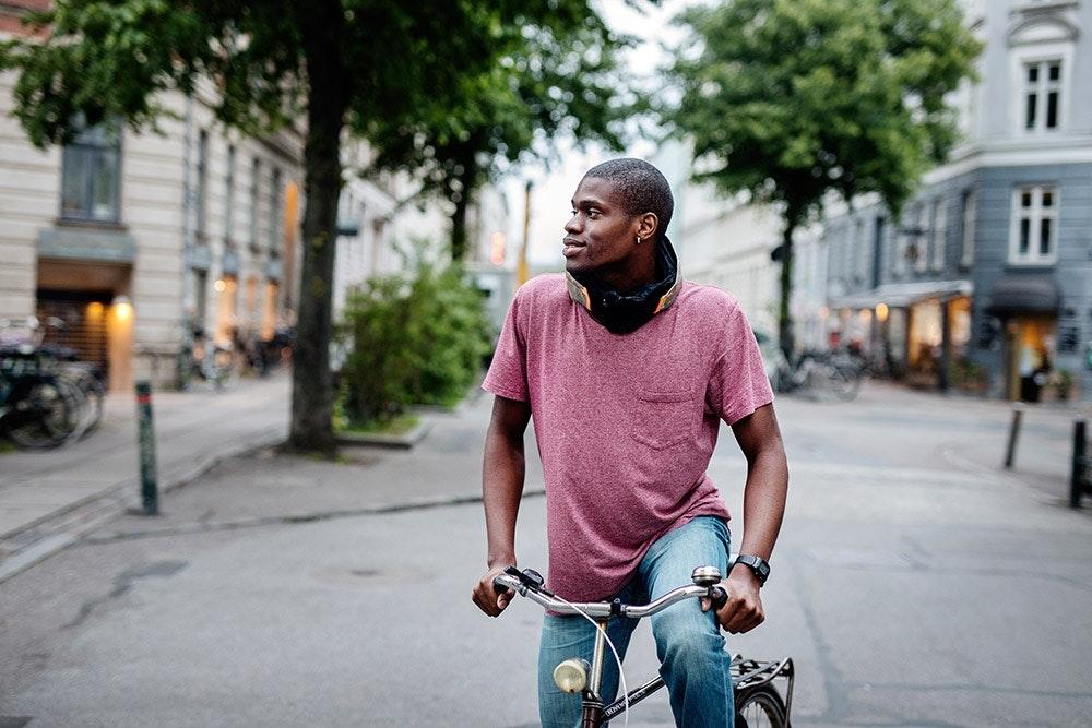 Hövding Fahrradhelm auf Sportscheck