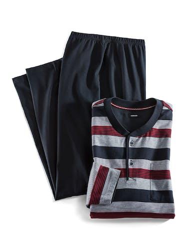 Dunkelblaue Pyjamahose mit gestreiftem Oberteil in Grau, Rot und Dunkelblau.