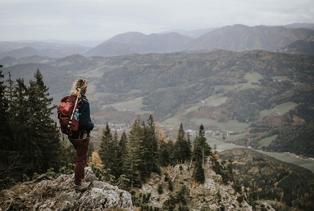 Sabrina liebt die Berge und nachhaltige Mode