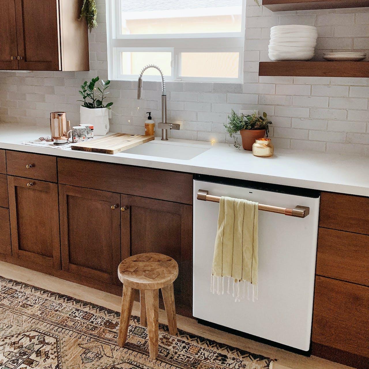 Tile backsplash with floating shelves