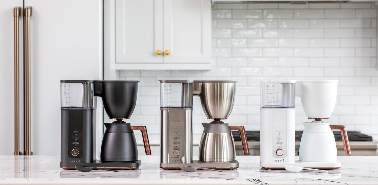 Café Specialty Drip Coffee Makers in matte black, stainless steel and matte white