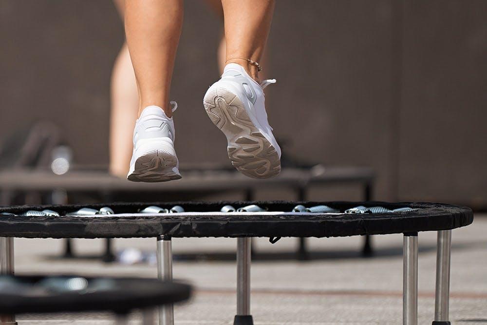 Jumping-Fitness Kurs auf dem Trampolin