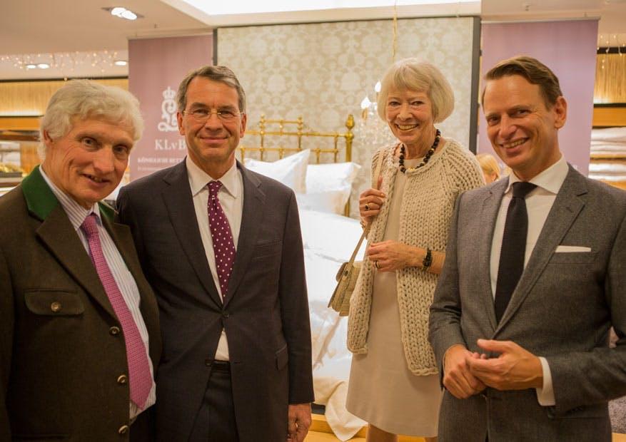 von links: Prinz Luitpold von Bayern, Herr Dierig (Geschäftsführer fleuresse), Helga Rid  und Robert Waloßek (Geschäftsführer Bettenrid).