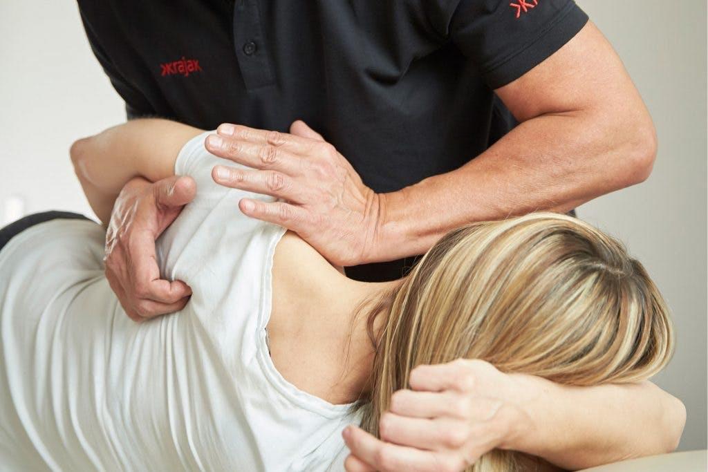 Die ganzheitliche Betrachtungsweise des Patienten bildet die Basis jeder Behandlung in der Praxis von Detlef Krajak.