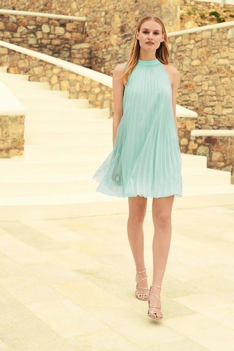 šaty vo svetlých pastelových farbách