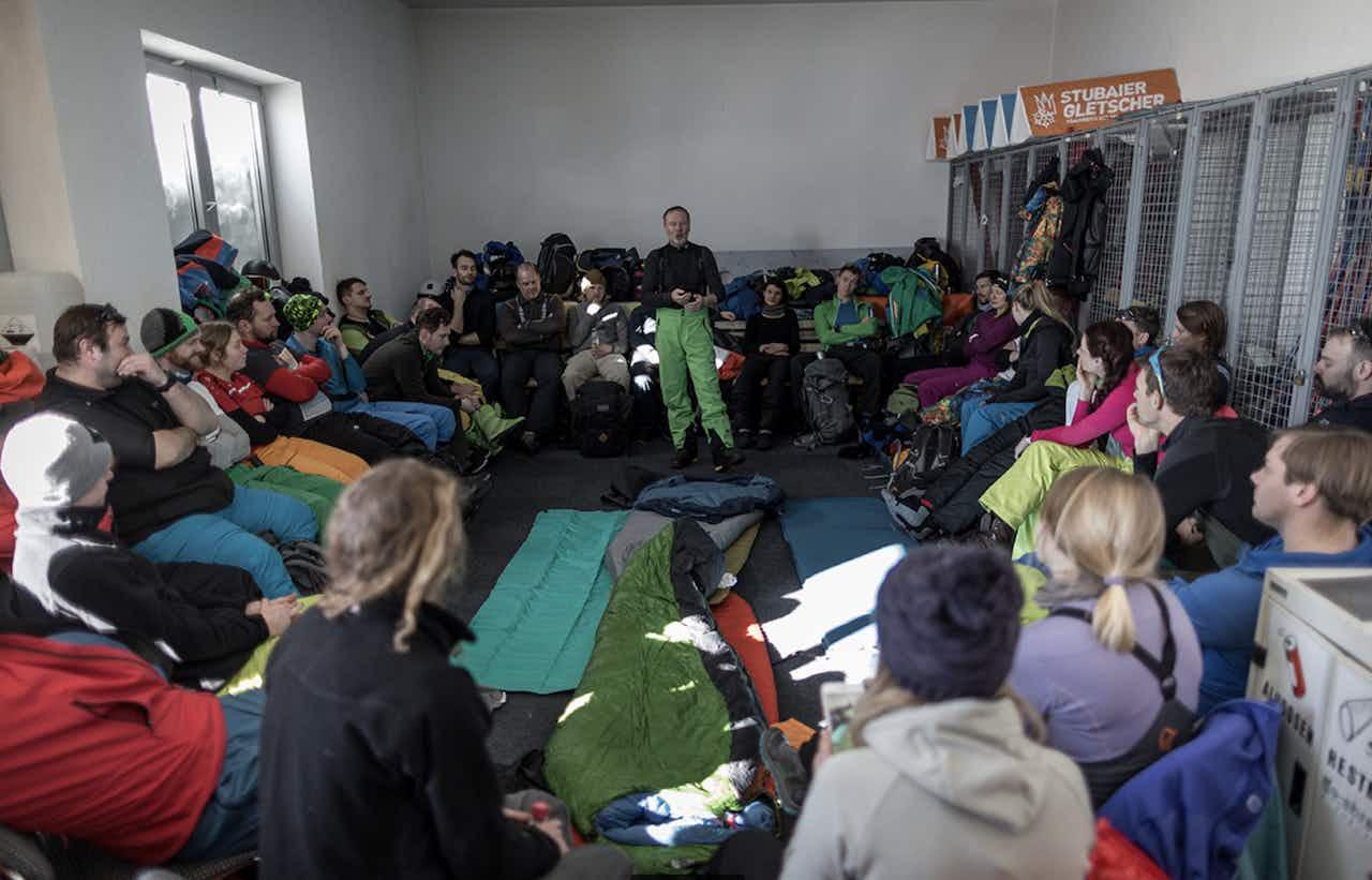 Schlafen im Schnee – Biwak Camp am TOP OF TIROL