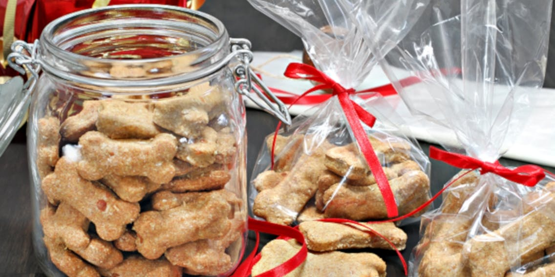 Weihnachtsplätzchen für Hunde selber backen