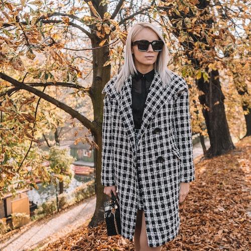 paryski szyk płaszcz damski orsay w kratę