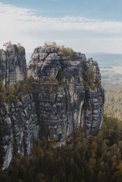 Toller Ausblick: Felsformationen in der Sächsischen Schweiz