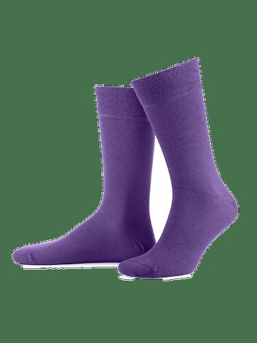 Lilafarbene Socken für Männer.