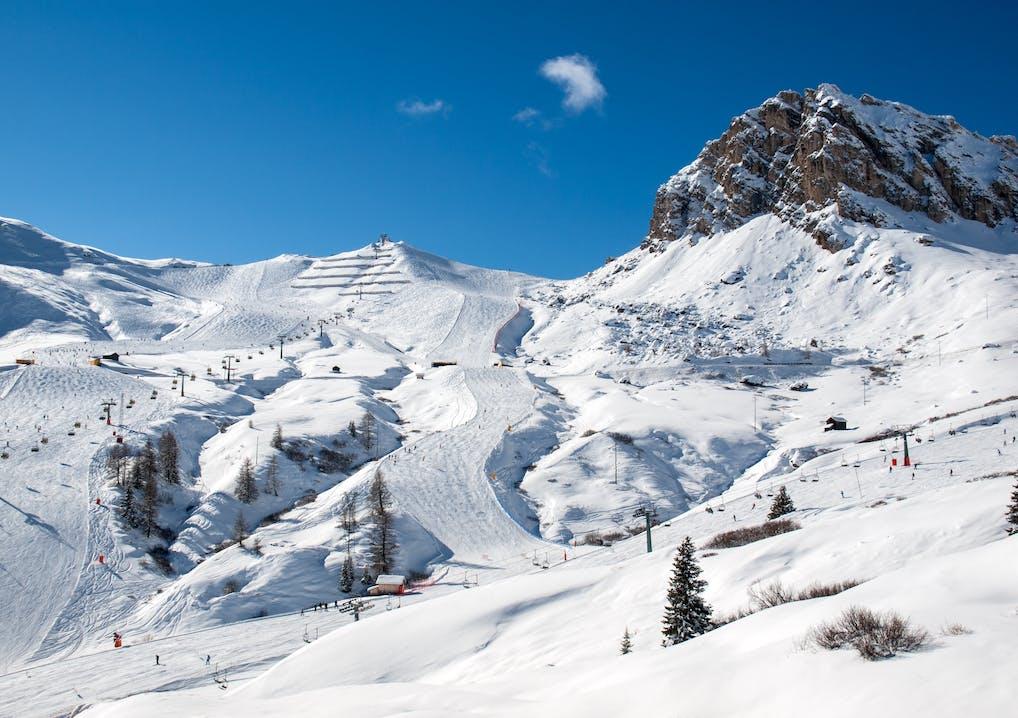Dolomiten Skigebiet Sella Gruppe im Schnee
