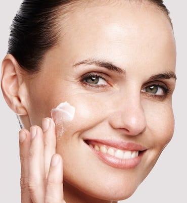 Hautrötungen Im Gesicht Hilfe Und Tipps Bei Douglasde