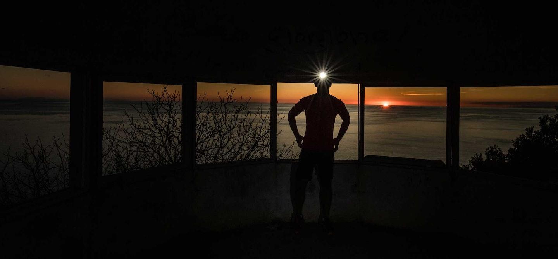 Laufen Wandern mit Stirnlampe