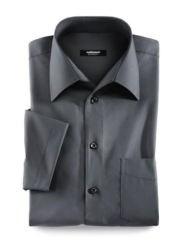 Dunkelgraues Hemd mit kurzen Ärmeln.
