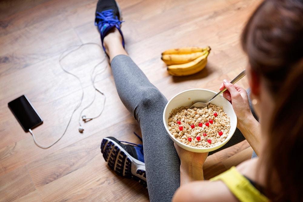 Frühstück vor dem Sport Frau