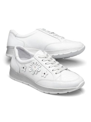 Weißer Sneaker mit Schnürsenkeln und Blumen