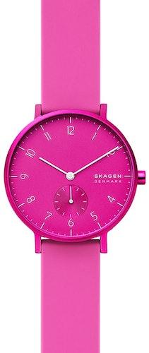 Cette montre SKAGEN se compose d'un boîtier Rond de 36 mm et d'un bracelet en Silicone Rose
