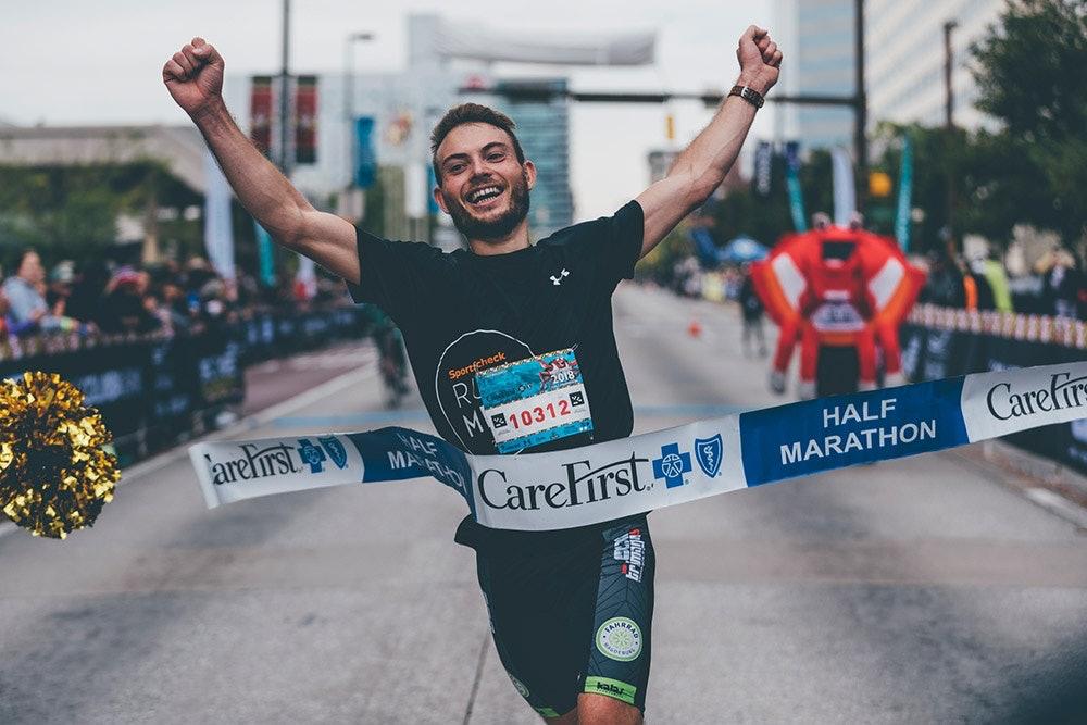 Sven Schenk gewinnt den Baltimore Halbmarathon