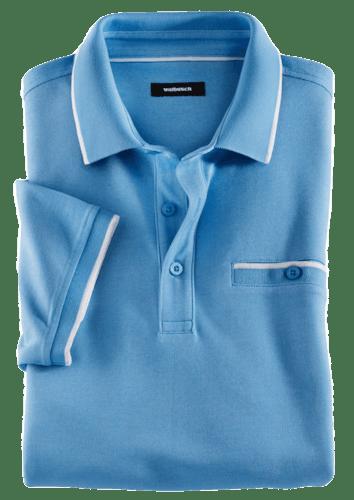 Hellblaues Polo mit weißen Details an Ärmel-, Kragensaum und Brusttasche.