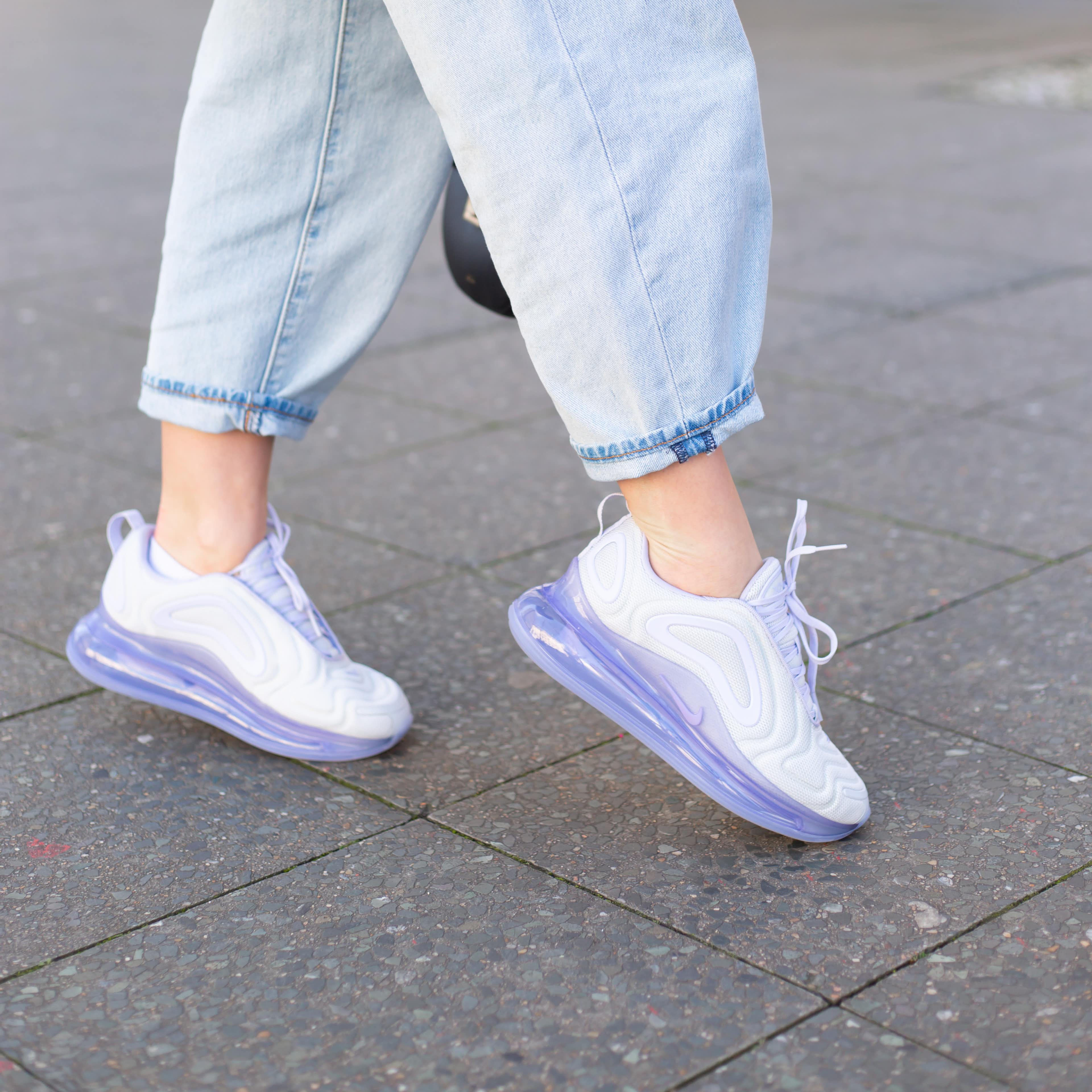 Nike Sneaker mit durchsichtiger Sohle