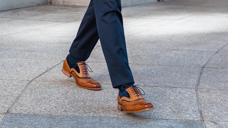 Braune Business Schuhen mit blau