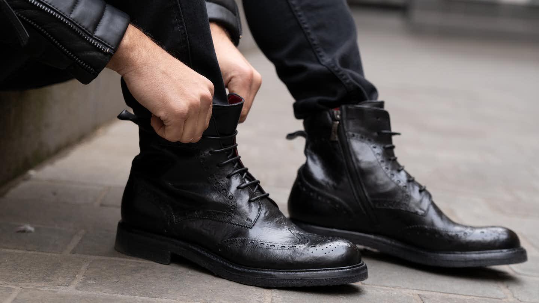 Mann mit Premium Schuhen