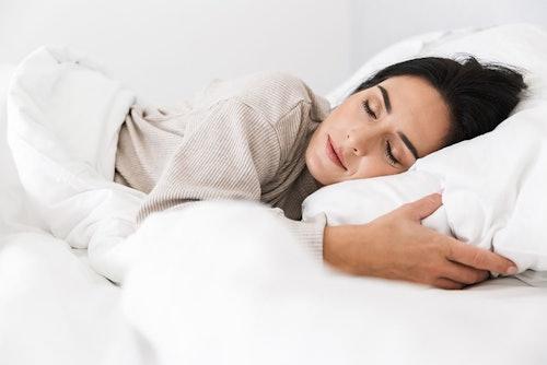 Schön im Schlaf mit den Sleeping Creams von DR. GRANDEL und PHYRIS