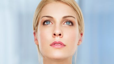 Mit Den Richtigen Schminktipps Für Blaue Augen Gelingt Ihnen Ein Unvergesslicher Augenaufschlag